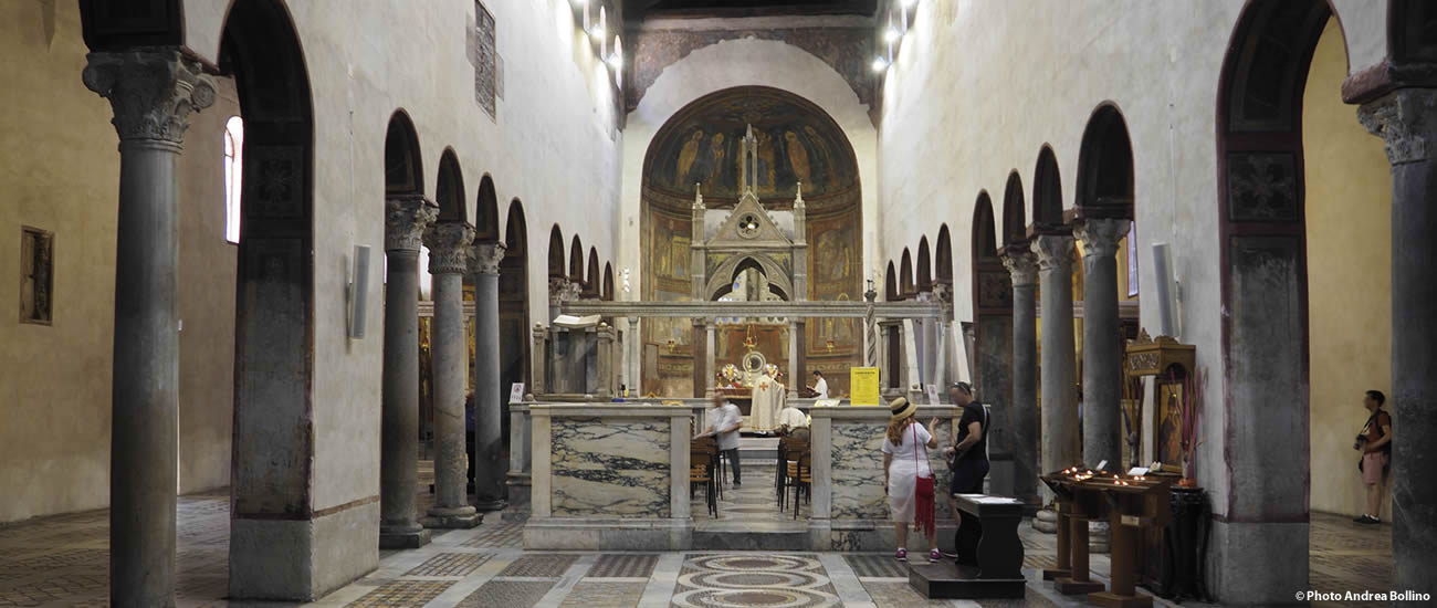 Chiesa Santa Maria in Cosmedin interno Roma