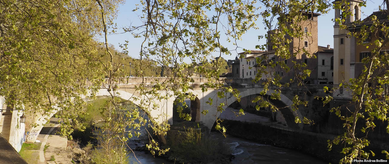 Isola Tiberina Ponte Fabricio Roma